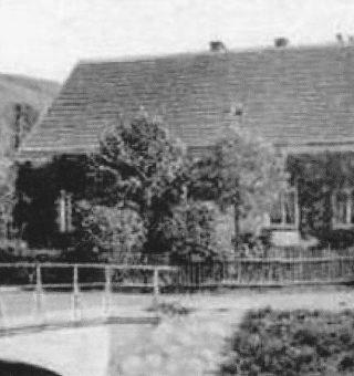 Szkoła dolna w Wierzchosławicach, budynek nr 43, klasy 1-4_0002